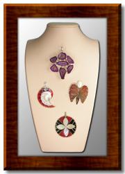 Кулоны, подвески, медальоны, камеи